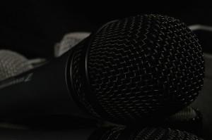 microphone-1161379_1920